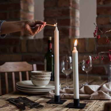 Vacsorai gyertya fényes hangulat.