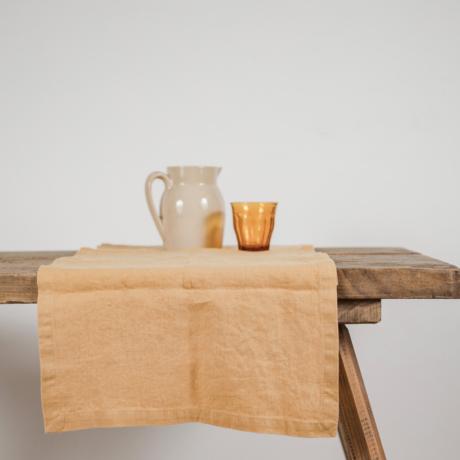 Lenvászon asztali futó