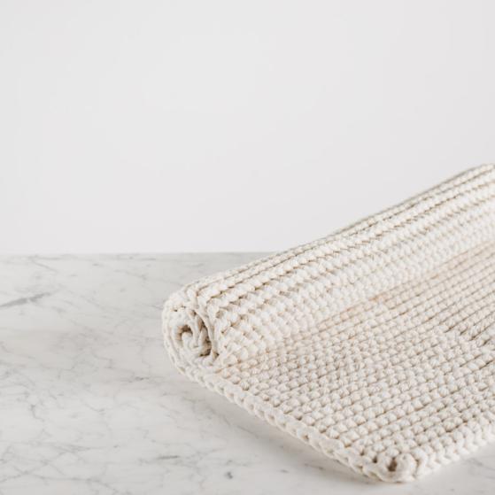Fürdőszoba szőnyeg, kötött