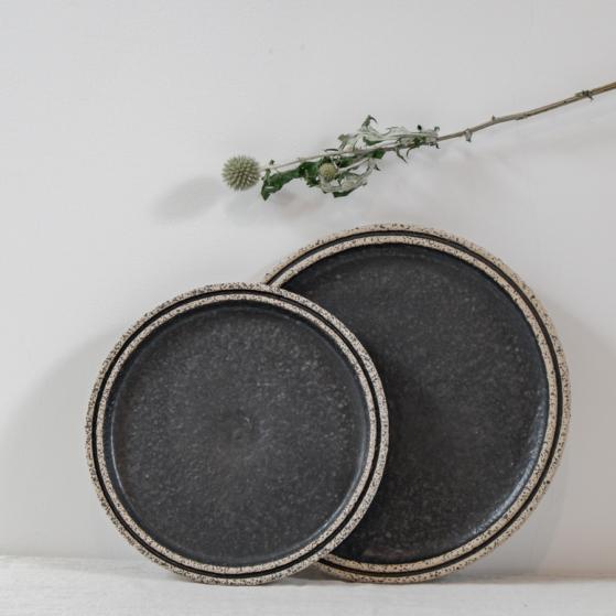 Kerámia lapos tányér, fekete