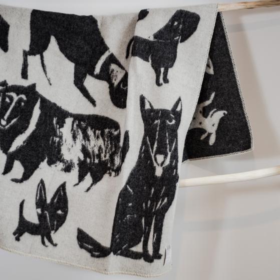 Gyapjú takaró, kutya mintás