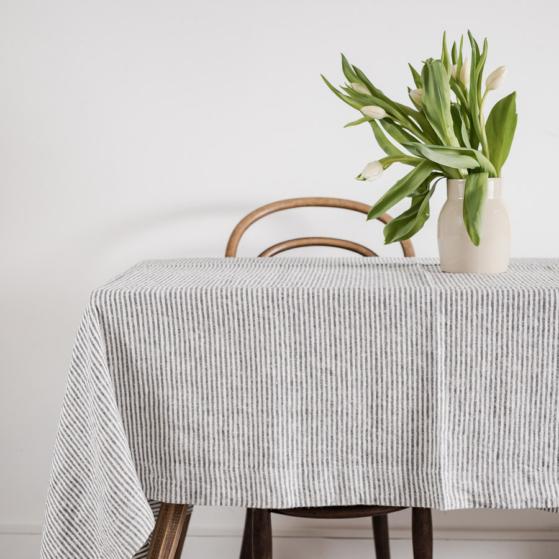 Lenvászon asztalterítő, csíkos